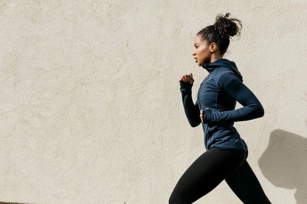 Груповите тренировки ни носят тройна мотивация, когато искаме да влезем във форма